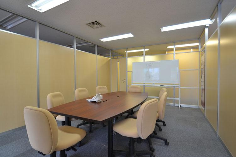 開放的なオフィスとショールームを新設