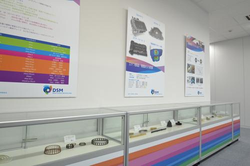 明るく開放的な研究所