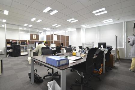 使い勝手の良いシンプルなオフィスデザイン