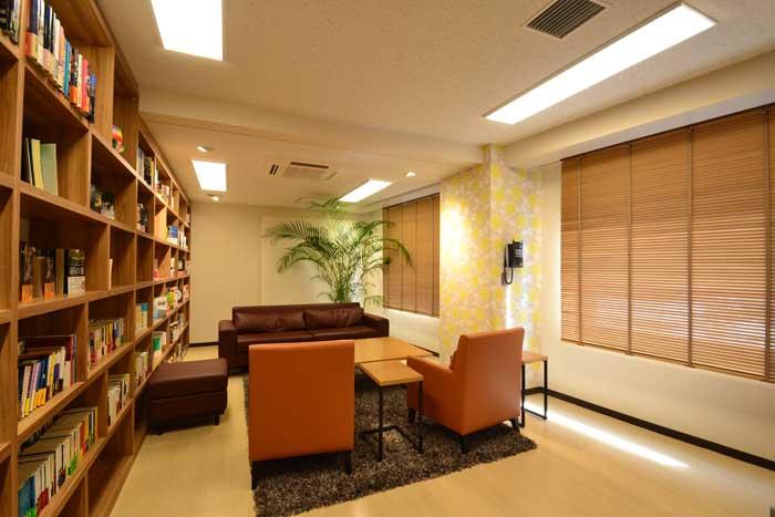 蛍光灯の色とオフィスデザイン