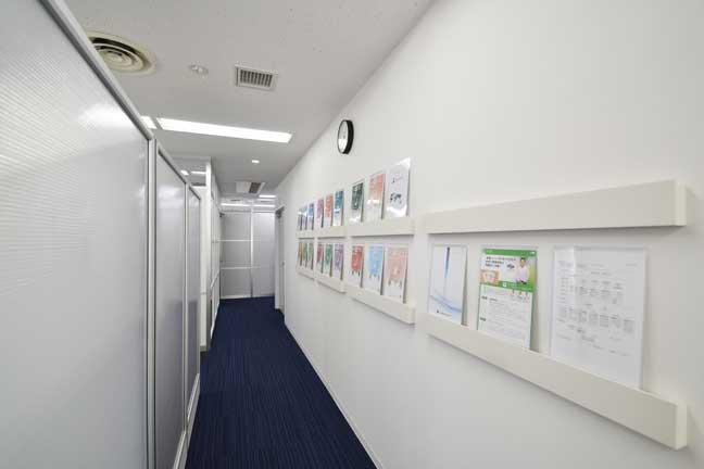 フロア毎のリフォームで少しづつ作っていくオフィスデザイン事例