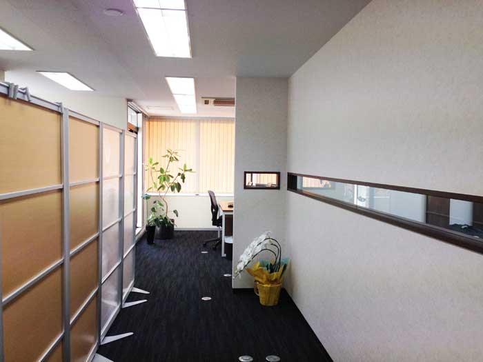防音性と開放感を同時に叶えた税理士事務所のオフィスデザイン事例