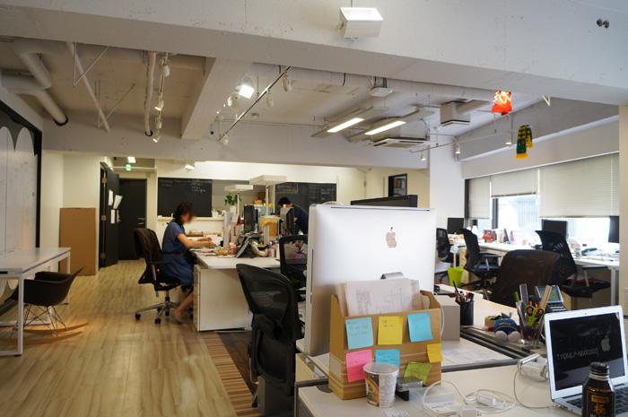 増床スペースの特性を活かしてリフォームしたオフィスデザイン事例