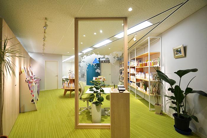 おしゃれなガラスフィルムに注目!開放感のあるオフィスデザイン事例