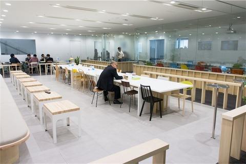 機能性と遊び心を同時に叶える!生産性の上がるオフィスデザインの仕掛け
