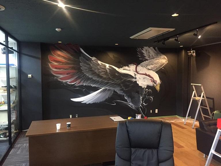 世界唯一の芸術作品を飾る!ウォールアートを使ったオフィスデザイン