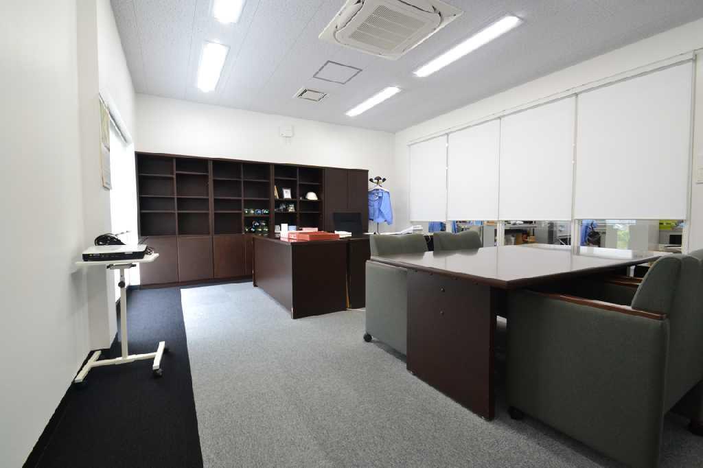ベース工事からスタート 機能性と温かみある空間に再生されたオフィス