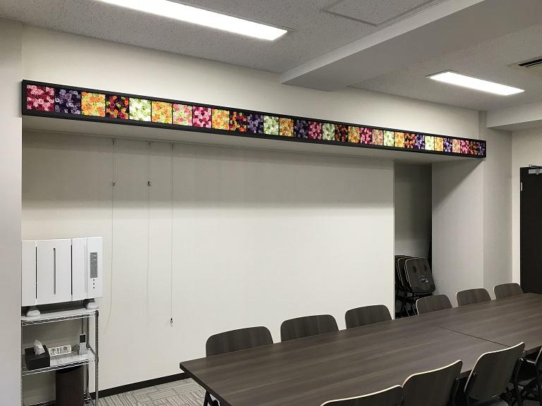 ニコライ バーグマン フラワーズ & デザインのフラワーボックスアレンジメントが華やかに彩るお洒落オフィス