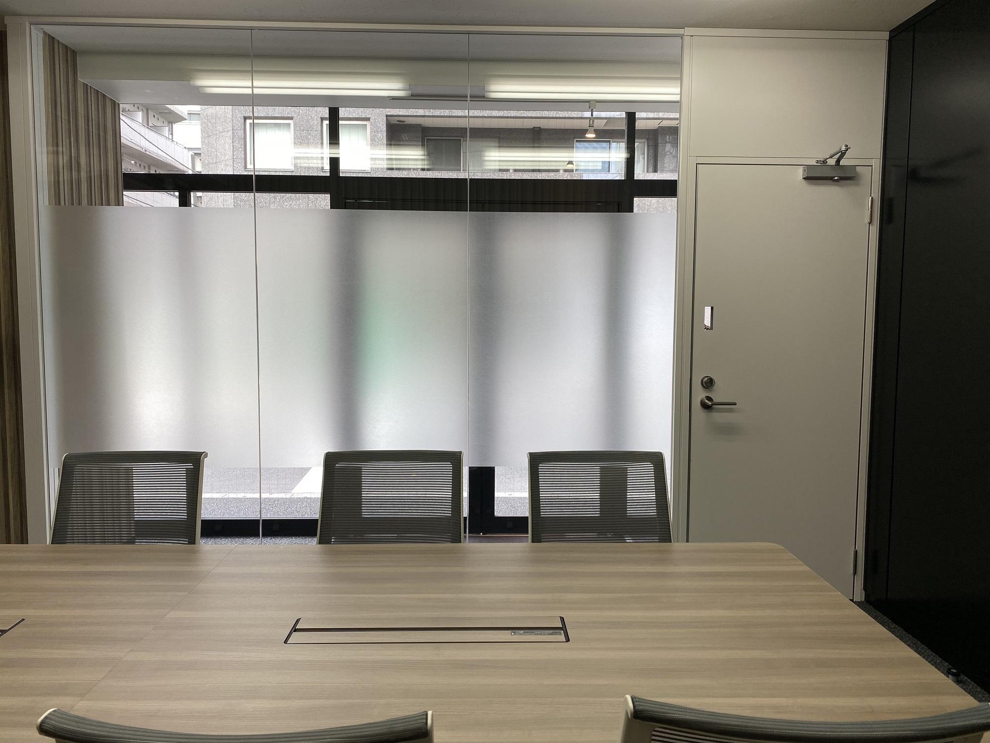 来客に好印象を与える1階フロアへ…部分的オフィスリフォーム事例