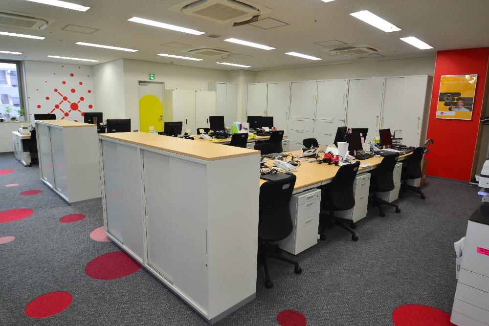 オフィスの床をおしゃれに張り替える3つのポイントとデザイン事例4選